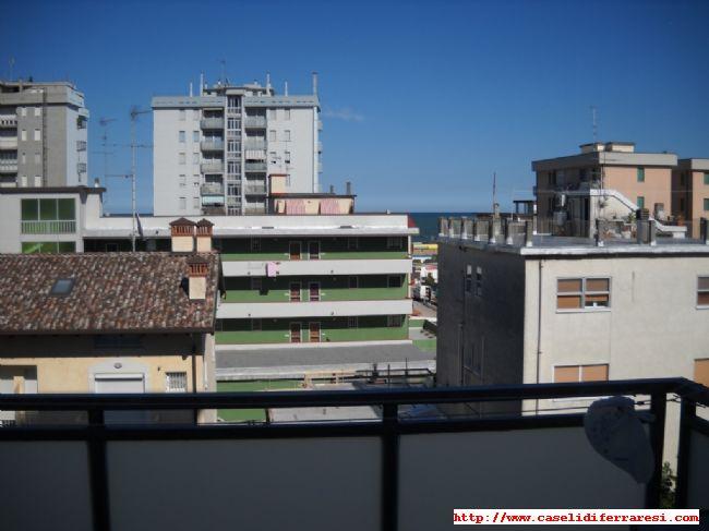 Affittasi ampio trilocale completamente ristrutturato a - Cucina balcone condominio ...