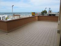 TERRAZZO ANGOLARE » Vendesi trilocale con splendido terrazzo vista mare. Prezzo 95.000,00 TRATTABILI